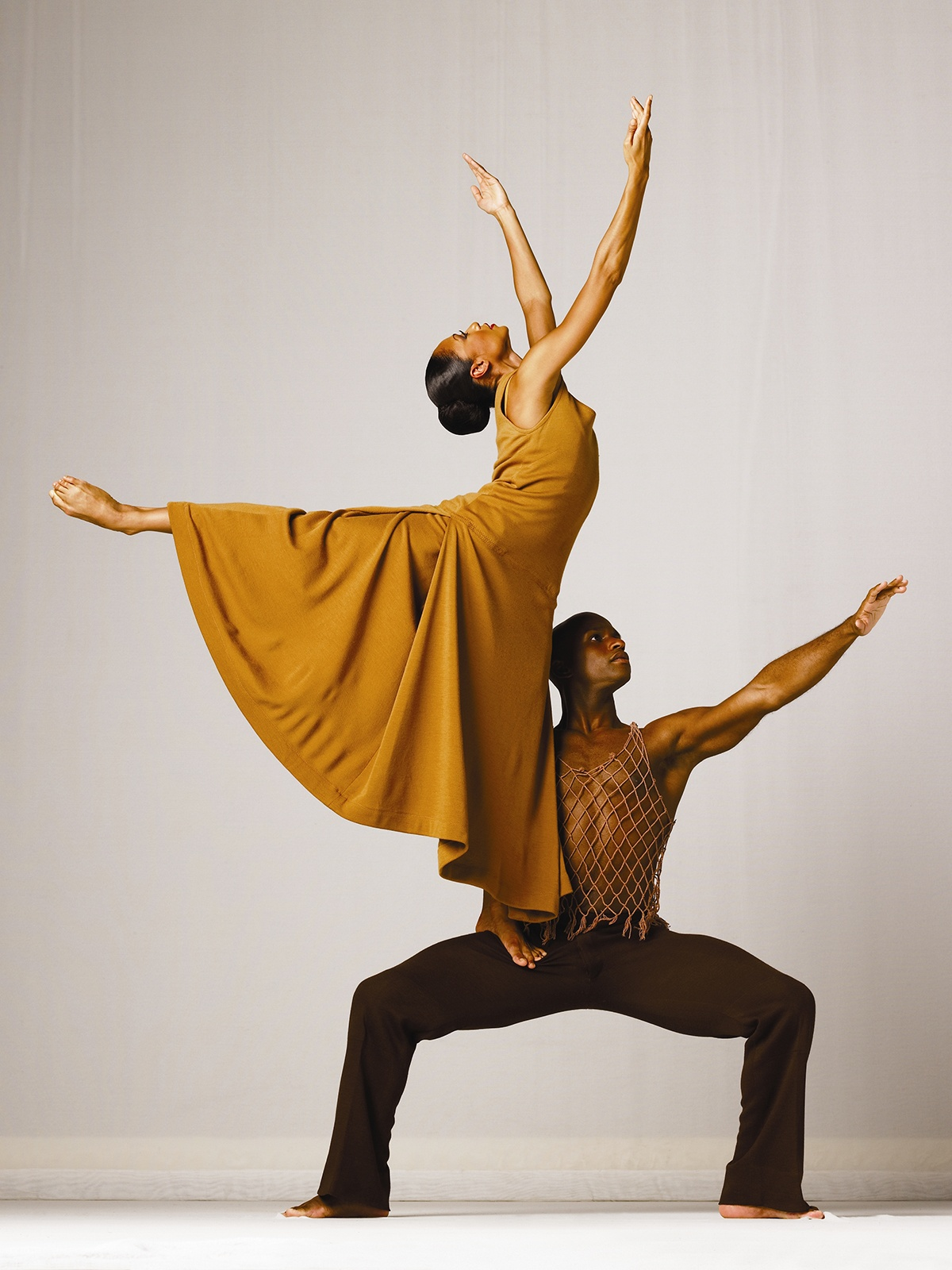 Alvin Ailey American Dance Theater's Linda Celeste Sims and Glenn Allen Sims in Alvin Ailey's Revelations. Photo by Andrew Eccles (150 dpi)